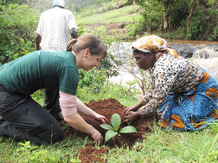 Bios Urn Blog: Wangari Maathai Arriesgó Su Vida Por La Reforestación